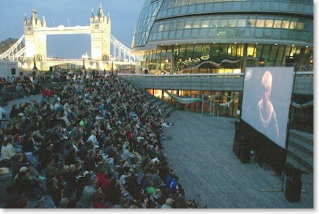 050609-MM-screen and audience-Tower Bridge